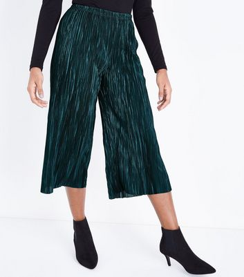 Petite Dark Green Plisse Culottes New Look