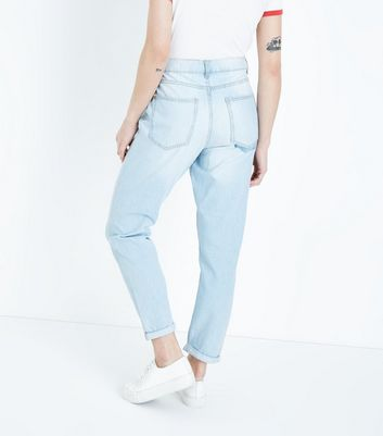 Blue Bleached Wash Wash Tori Mom Jeans New Look
