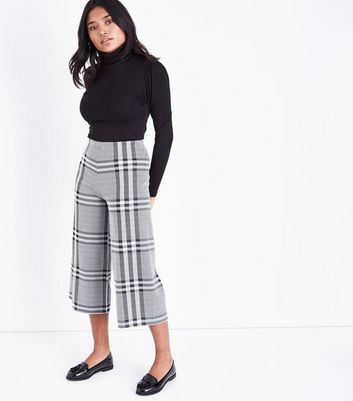 Petite Black Wide Check Culottes New Look