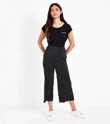 Petite Black Amour Slogan Roll Sleeve T-Shirt New Look