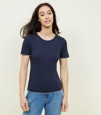 Navy Contrast Scallop Hem T-Shirt New Look