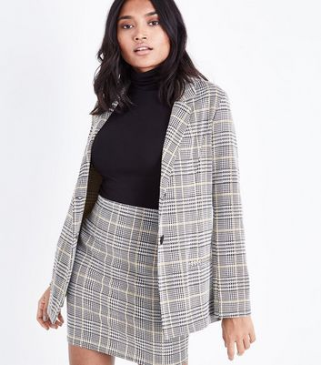 Petite Black Check Button Front Blazer New Look