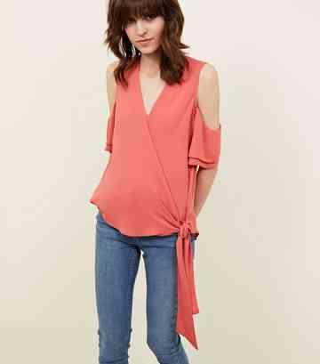 b45ca921b87 Women's Tops Sale | T-Shirts & Blouses Sale | New Look