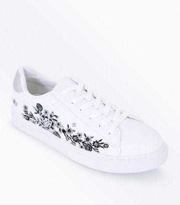 White Floral Embroidered Lace Up