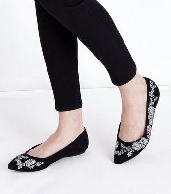Wide Fit Black Suedette Floral Embroidered Ballet Pumps New Look