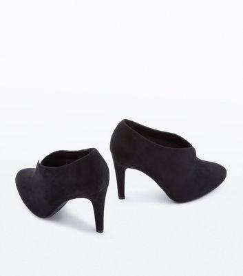 Wide Fit Black Suedette V Front Shoe Boots New Look