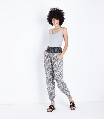 White Tile Print Shirred Waist Joggers
