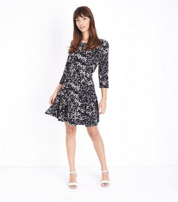 Blue Vanilla Black Ditsy Floral Skater Dress New Look