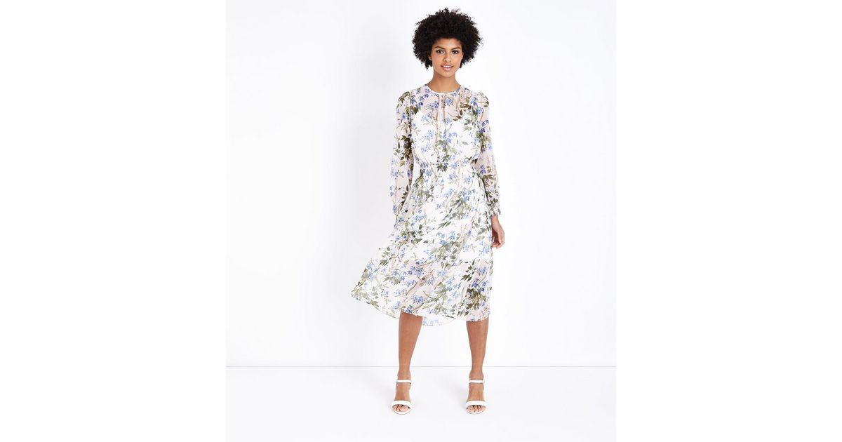 Robe Mi Longue En Mousseline Blanche A Motif Floral Et A Taille Froncee New Look