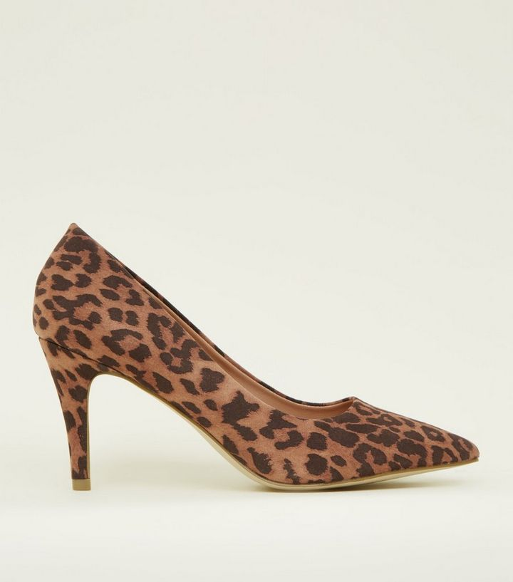 40cba23abf6f Wide Fit Leopard Print Suedette Court Heels | New Look