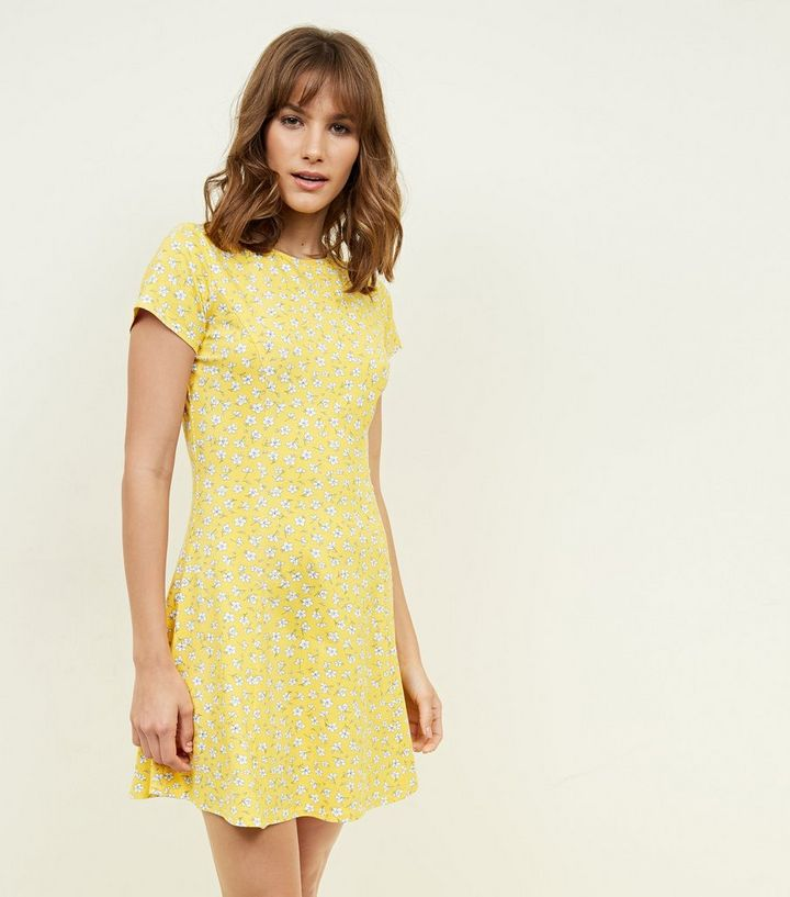 88e35d8f5674 Yellow Ditsy Floral Cap Sleeve Swing Dress | New Look