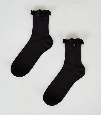 Chaussettes Noires En Velours Côtelé à Volants by New Look