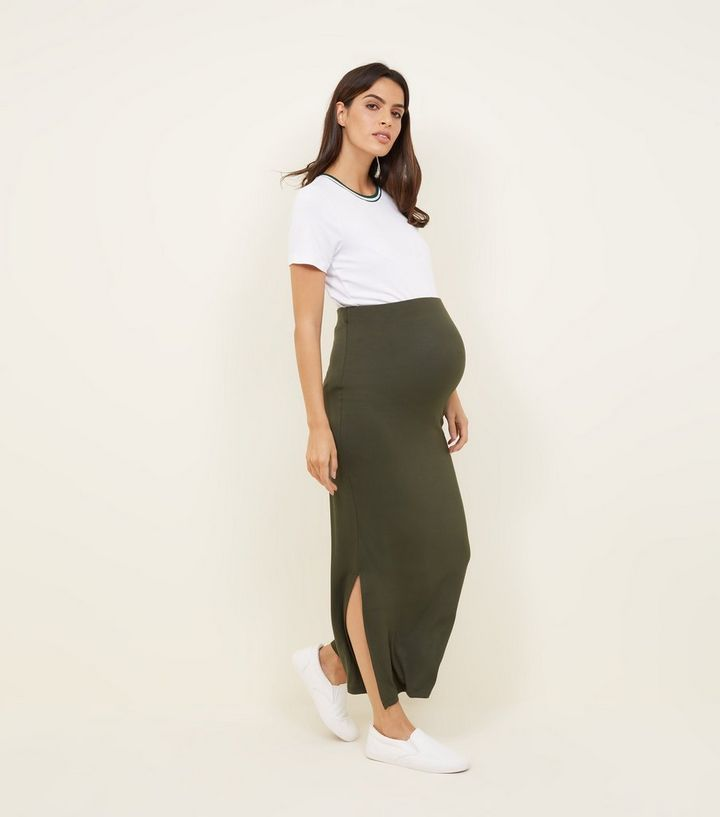 e09e3f49ef Grey Jersey Maxi Skirt Outfit - Image Skirt and Slipper Imagepv.co