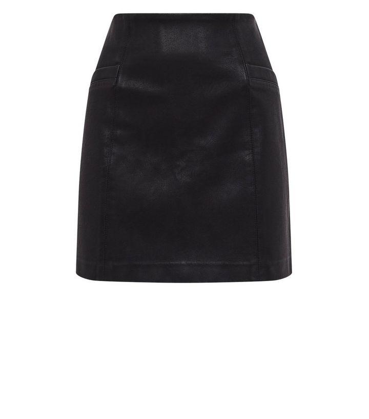 1451f4b2184de8 Petite - Mini-jupe noire en similicuir à fausse poche | New Look