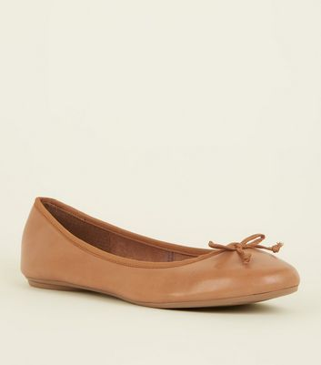Wide Fit Tan Leather Ballet Pumps New Look
