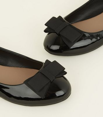 Wide Fit Black Patent Bow Ballet Pumps New Look