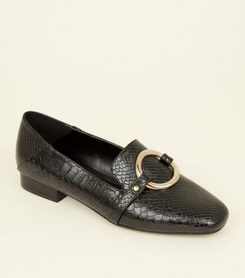 Black Faux Snake Ring Front Loafers