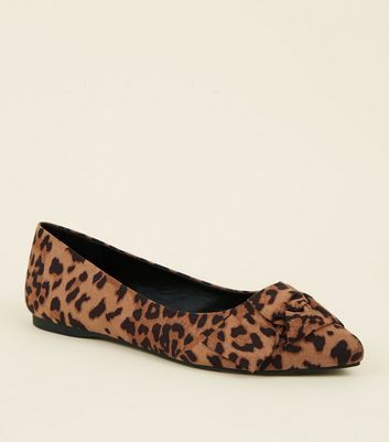 Wide Fit Tan Leopard Print Knot Bow Pumps