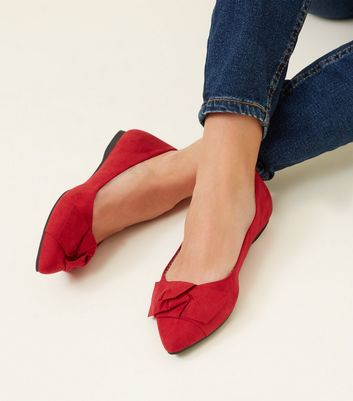 Wide Fit Red Suedette Knot Bow Pumps New Look