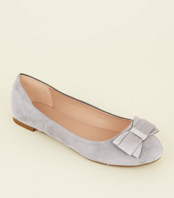Wide Fit Grey Suedette Bow Ballet Pumps New Look