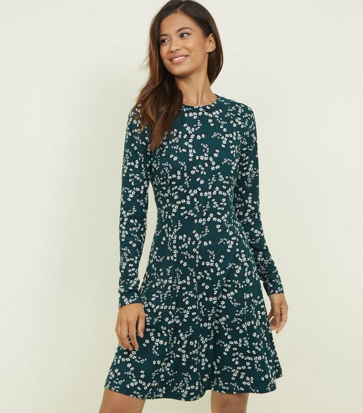 32891625f Tall Green Floral Soft Touch Skater Dress | New Look