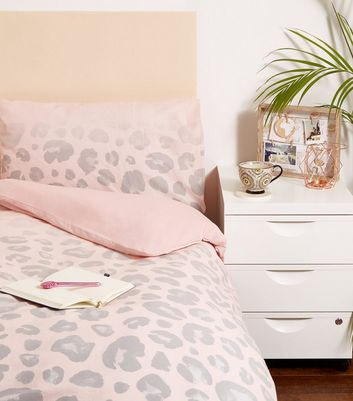 Pale Pink Leopard Print Fade Single Bedding Set