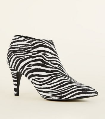 Black Zebra Print Pointed Shoe Boots