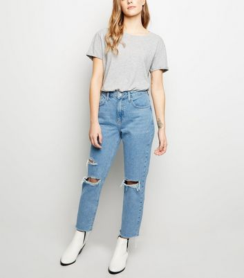 Petite Blue Vintage Wash Ripped Mom Jeans