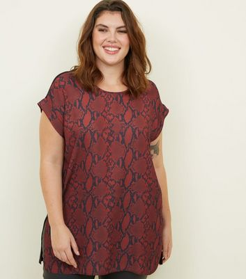 Curves Red Woven Snake Front Longline Top