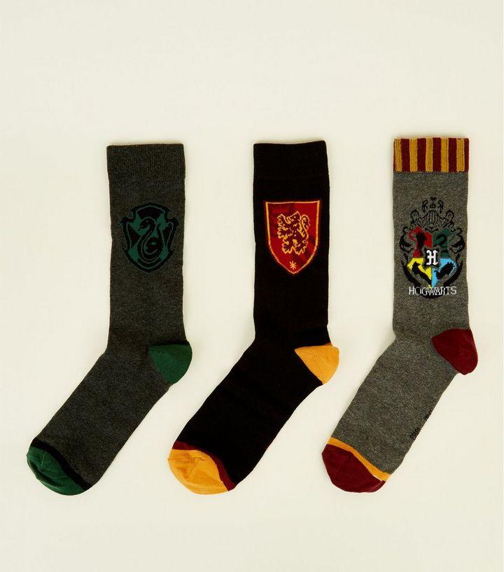 54df7ddfd38e 3 Pack Multicoloured Harry Potter Socks | New Look