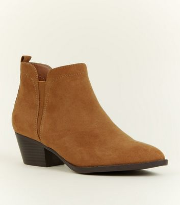 Tan Pointed Western Chelsea Boots
