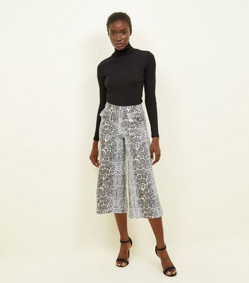 Innocence Grey Snake Print Cropped Trousers
