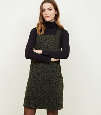 Green Leopard Jacquard Pinafore Dress