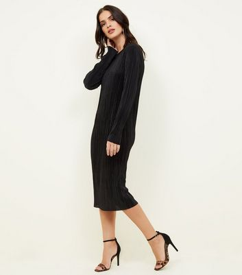 Black Plisse Long Sleeve Midi Dress