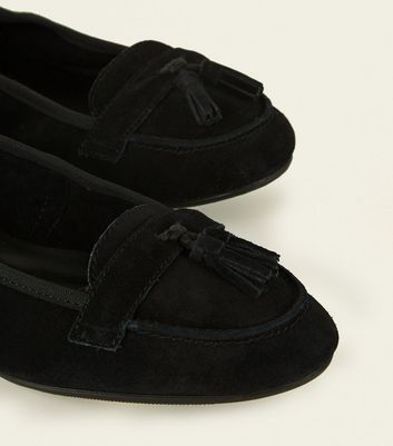 1f5a466eb94 Wide Fit Black Suede Tassel Trim Loafers New Look