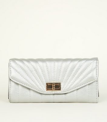 Silver Metallic Quilted Purse