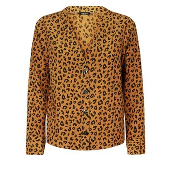ce3000127175 Petite Brown Leopard Print V Neck Shirt New Look