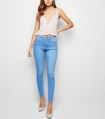 Jean skinny bleu vif sculptant et push-up