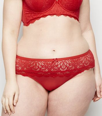 Curves – Roter Tanga mit Wimpernspitze