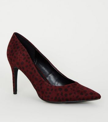 Burgundy Animal Print Pointed Court Shoes