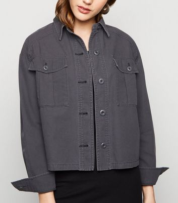 Black Utility Pocket Cropped Shacket