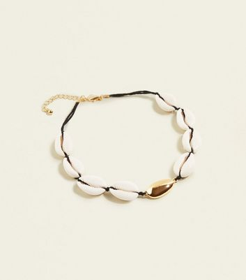 Cream and Gold Shell Choker Necklace