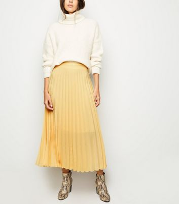 Pale Yellow Pleated Midi Skirt