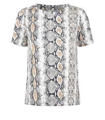 Cameo Rose Light Grey Snake Print T-Shirt New Look