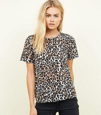 Cameo Rose Animal Print T-Shirt New Look