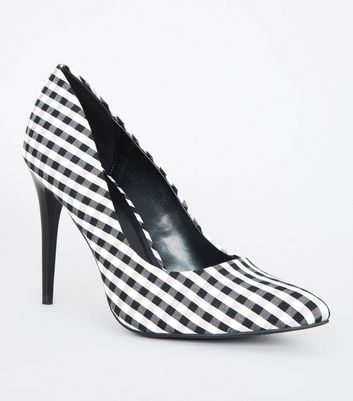 Black and White Gingham Check Print Courts