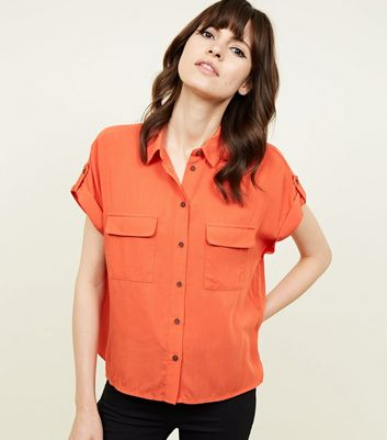 Red Pocket Front Short Sleeve Shirt