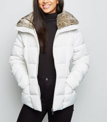 Petite White Faux Fur Trim Fitted Puffer Jacket