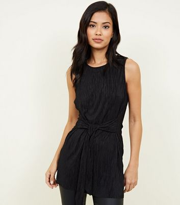 Black Crinkle Plissé Belted Tunic Top