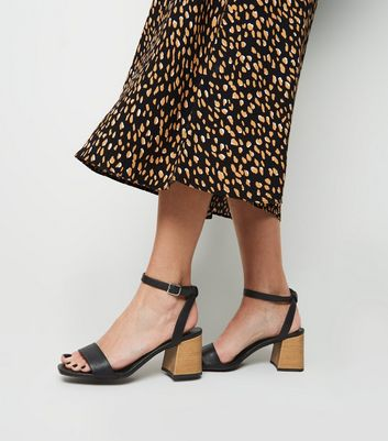 20d9926b8 Black Leather-Look Wood Effect Flare Heels New Look